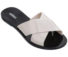 Essential Slide White Contrast